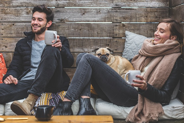 casal-feliz-coliving-couple-happy-coliving
